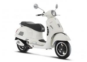 022 Vespa GTS Super