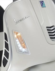 042 Vespa GTS Super